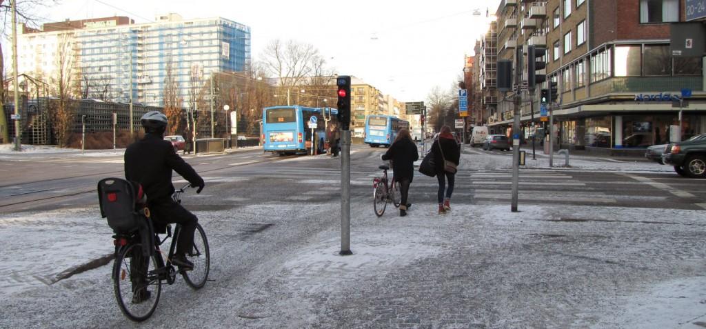 Berzeliigatan, en leder cykeln