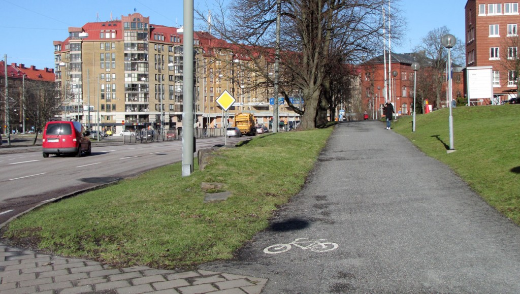 Mjukseparerad gc-bana nära Linnéplatsen