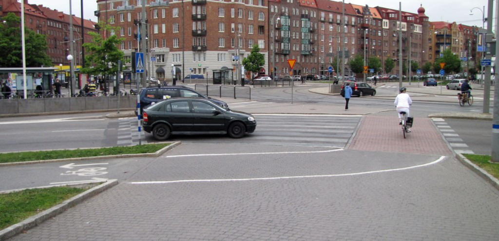 Korsvägen 12 juni 2013