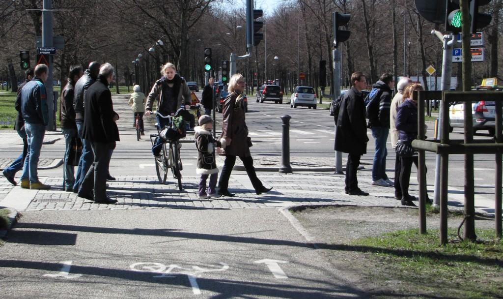 Krångligt i GC-kors Nya allén / Avenyn i Göteborg