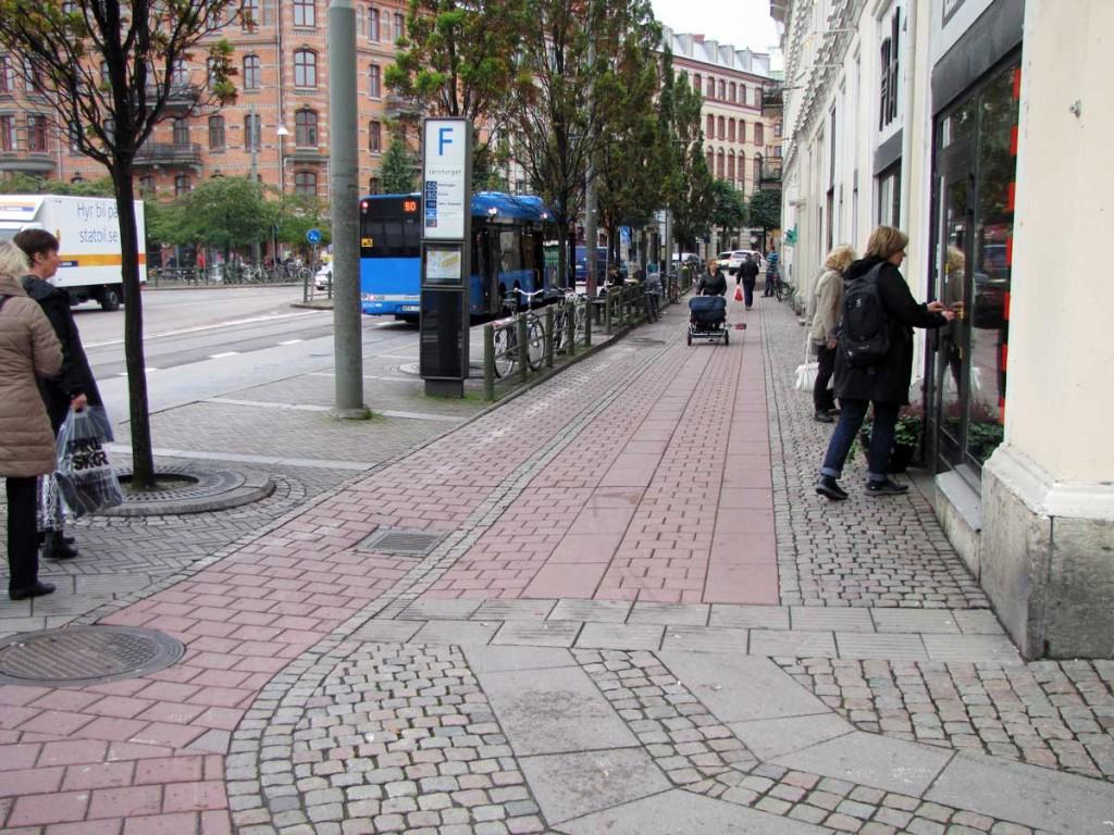Järntorgets dolda cykelbana bekänner färg