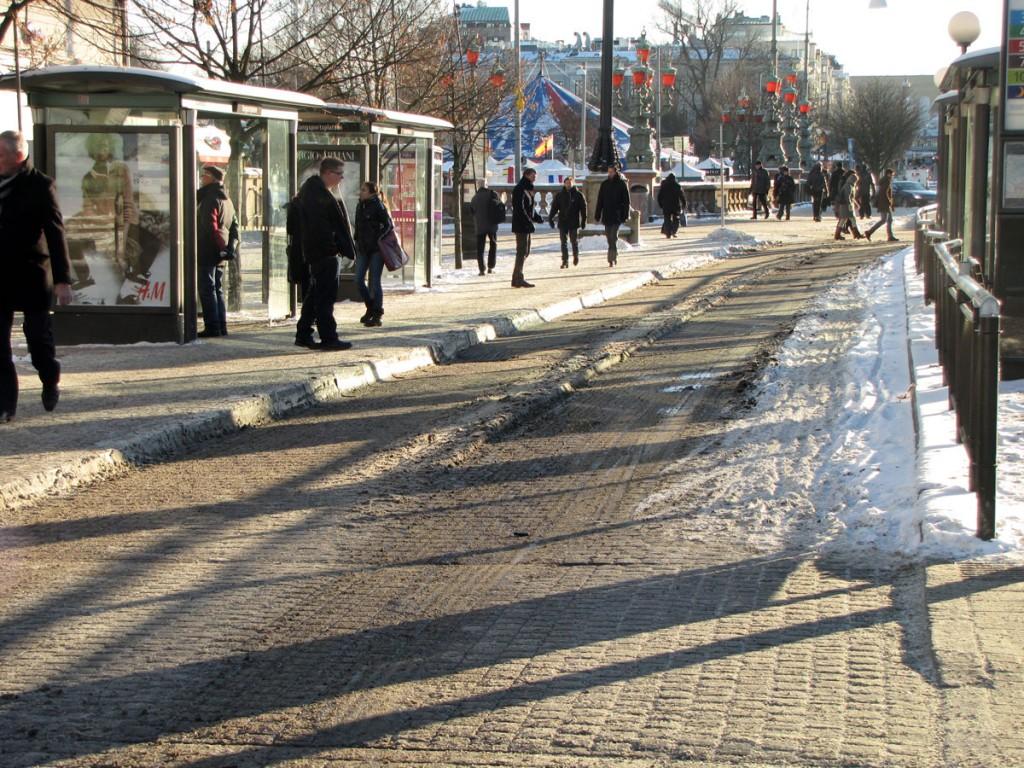 Kungsportsplatsens snöiga cykelfält 6 dec 2012
