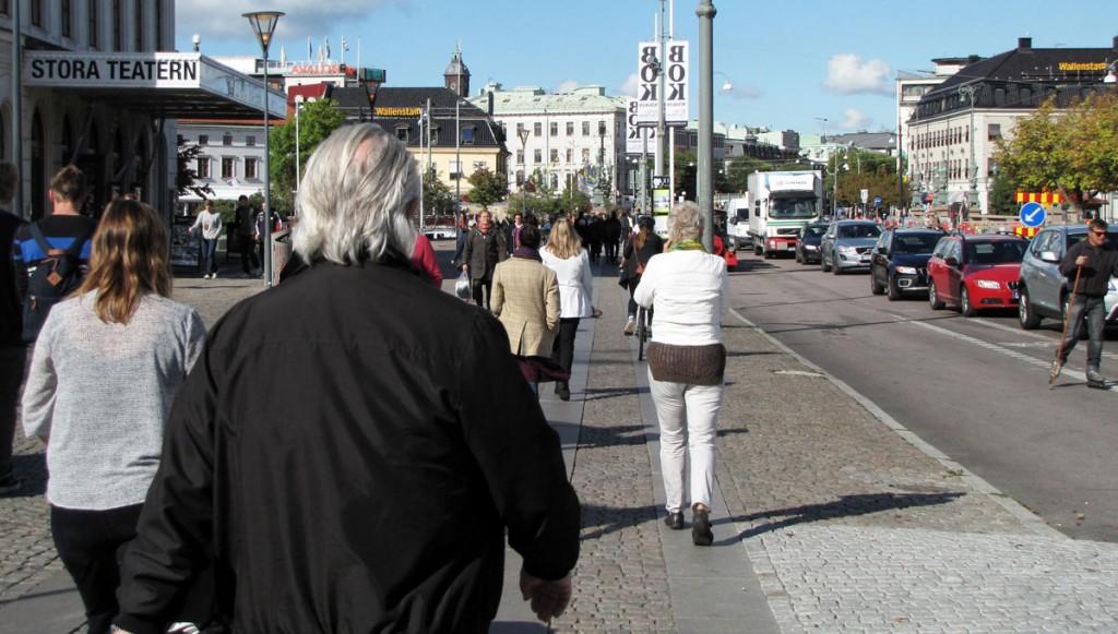 Gångbanan framför Storan