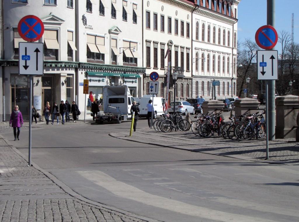 Skylt för motriktad cykeltrafik