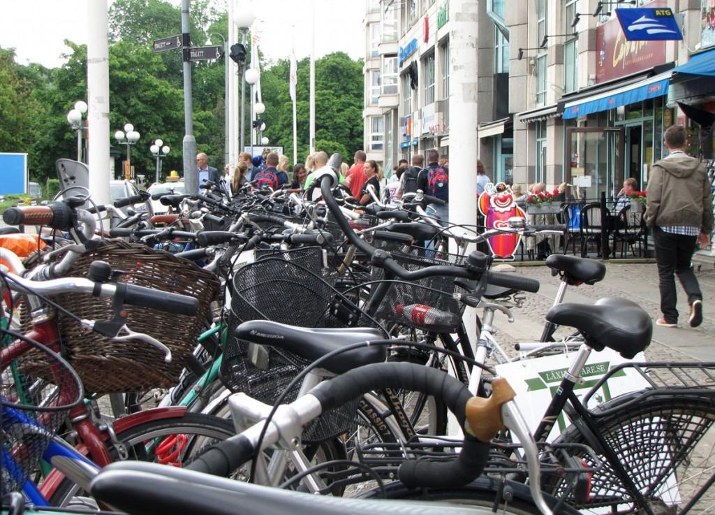 Tät cykelparkering på Kungstorget