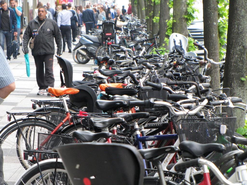 Tät cykelparkering vid Nordstan