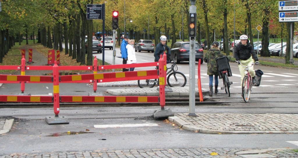 Avstängd cykelbana över Avenyn