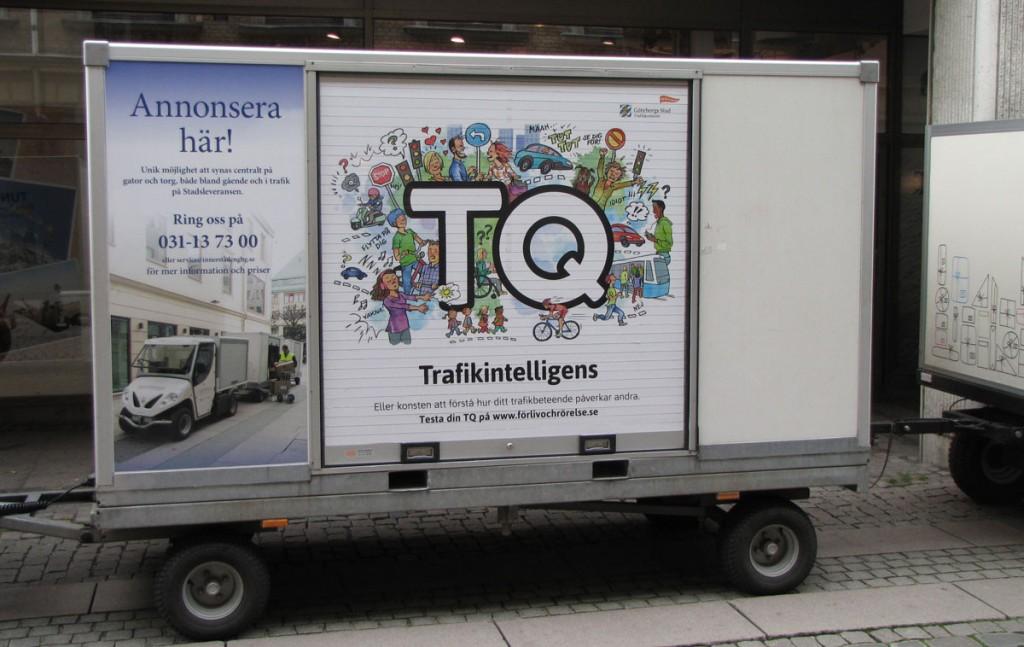 TQ-reklam på varutransportvagn