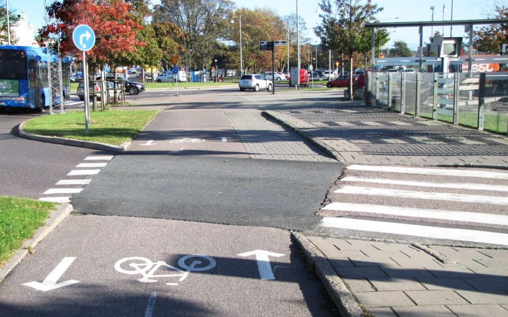 Centralen runt, Cykelbanan breddas, eller?