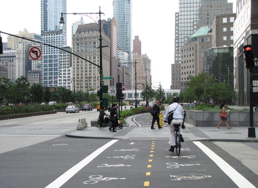 Fin cykelbana längs West street