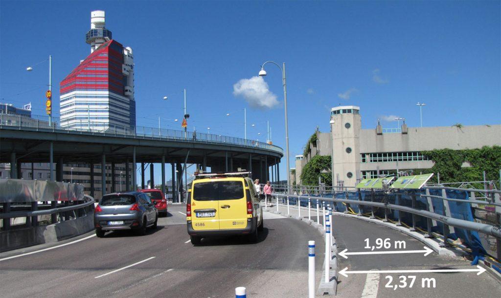 Banbredd för gående på bron