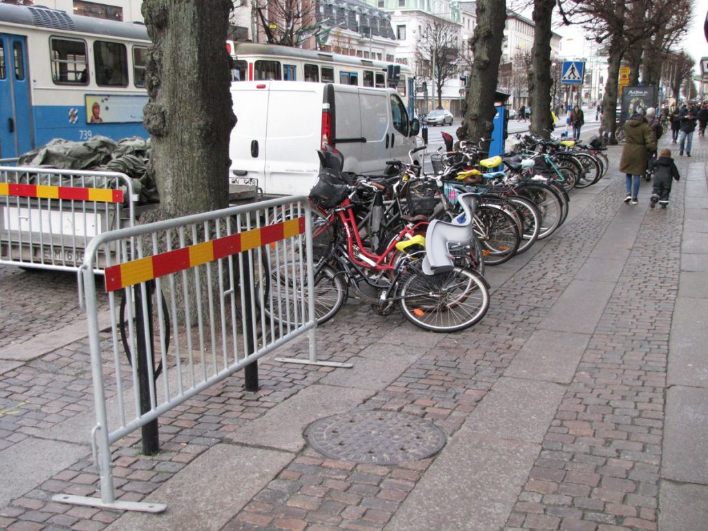Blockerad cykelparkering på Östra Hamngatan 52