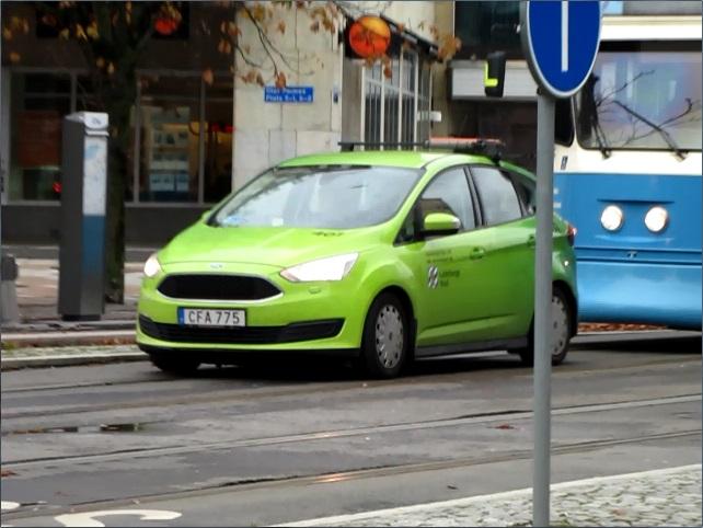 Järntorgets rödljustid - Bil hindrar spårvagnen