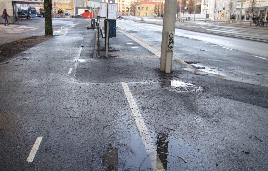 Hållplats beslagtar cykelbanan