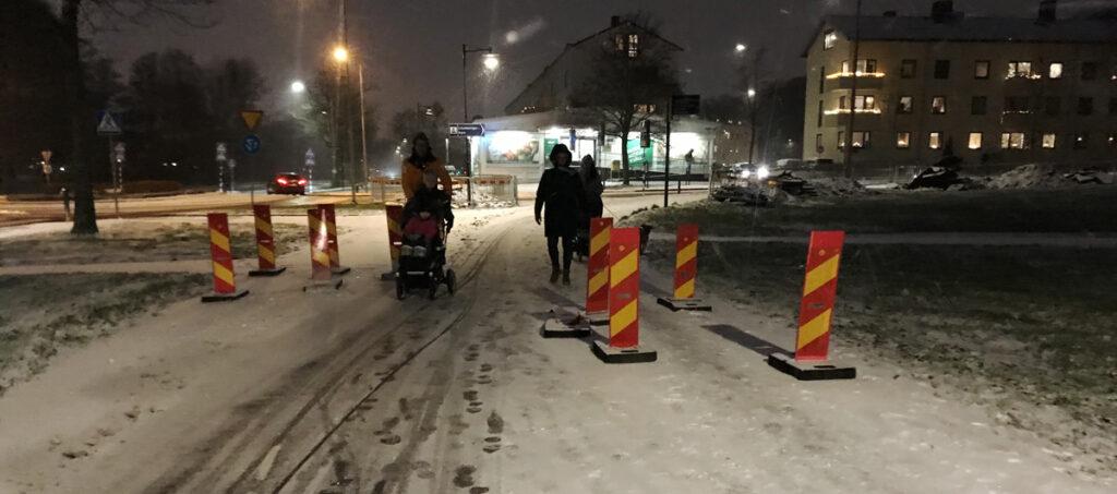 Samma chikaner på pendlingscykelbanan vid Olbergsgatan