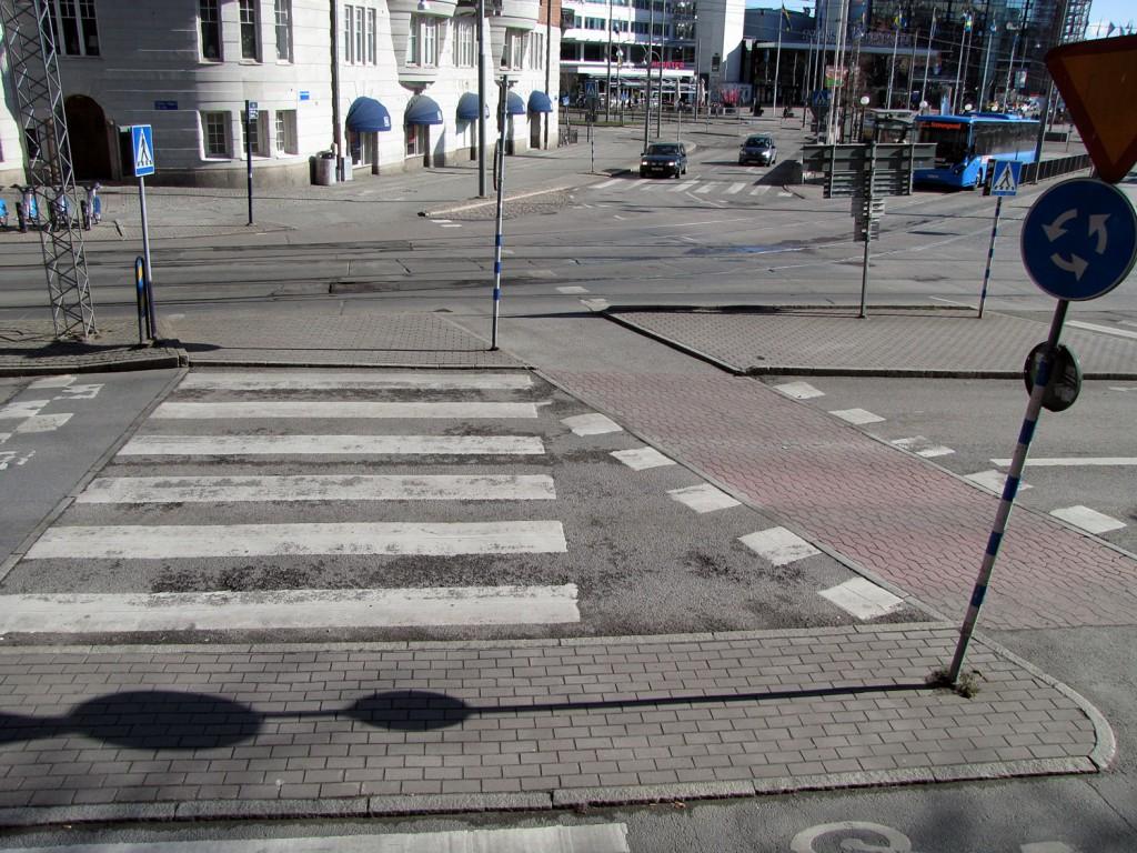 Halvt övergångsställe på Korsvägen i Göteborg