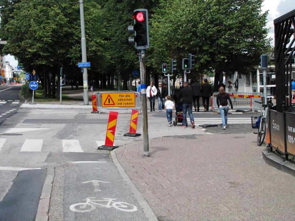 Risk att gående blockerar nya cykelöverfarten över Engelbrektsgatan