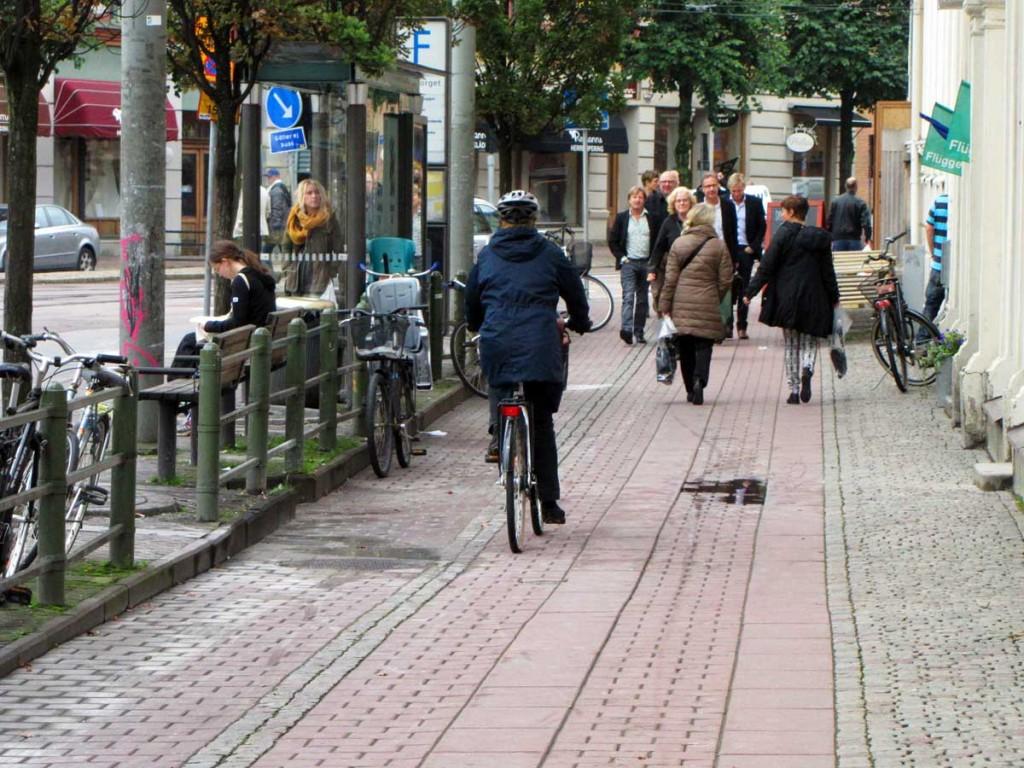 Trevande cykling längs Järntorgets dolda cykelbana