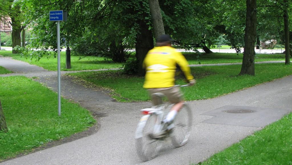 Ännu en gångväg ansluter till cykelbanan