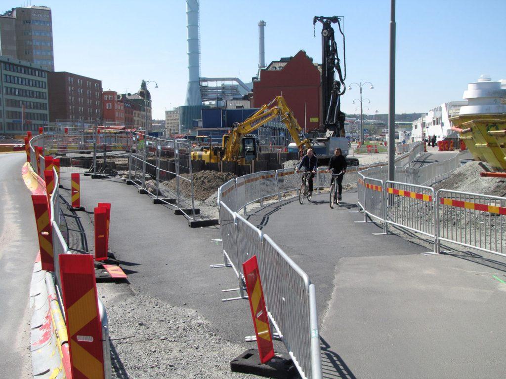 Tillfälliga cykelbanor förbi Stenpirsbygget