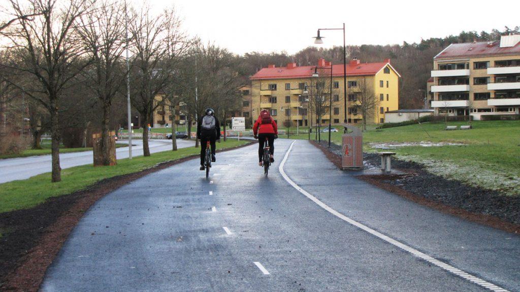 Delsjövägen: Första pendlingscykelbanan är klar