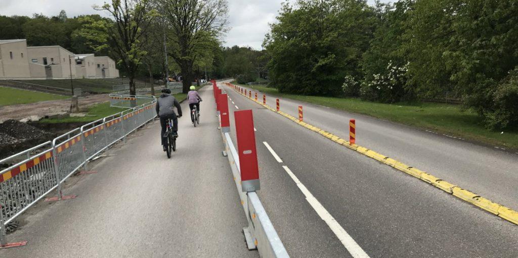 Cykelbana lånar körbanan vid Bö