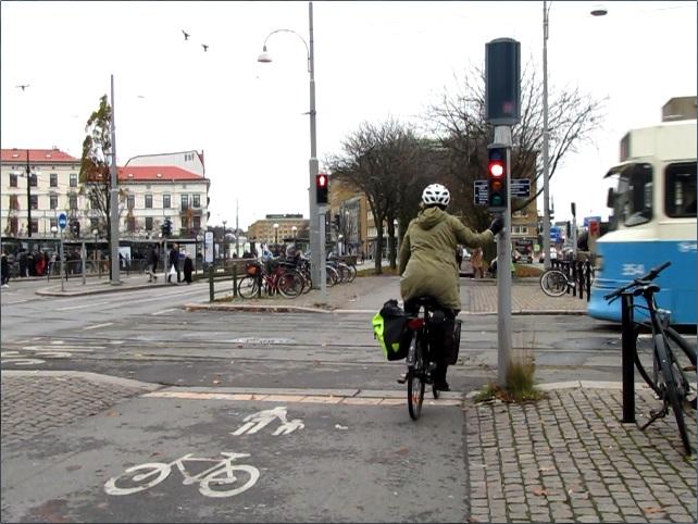 Järntorgets rödljustid - Cyklist väntar